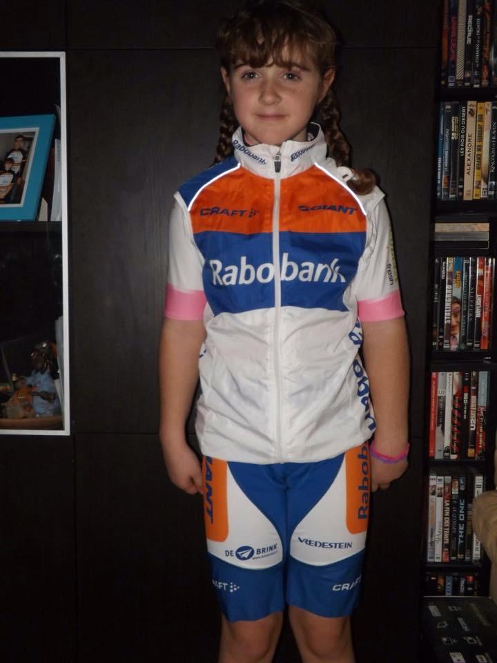 Les jeunes cyclistes ont le sourire…