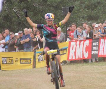 Pauline conserve son titre de Championne de France du XCO