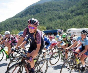 """""""La course by le Tour"""" arrive en haut du mythique col d'Izoard"""