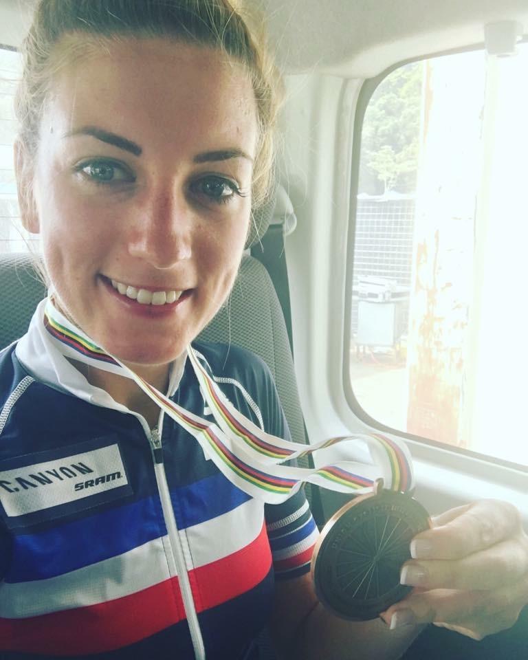 Pauline retrouve le podium du mondial VTT !