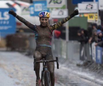 Pour sa deuxième épreuve internationale, Pauline remporte le Druivencross d'Overijse